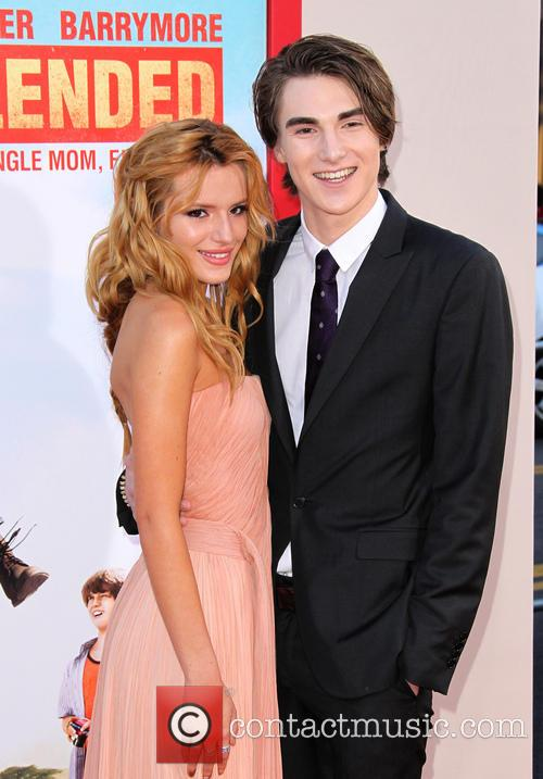 Bella Thorne and Zak Henri 6
