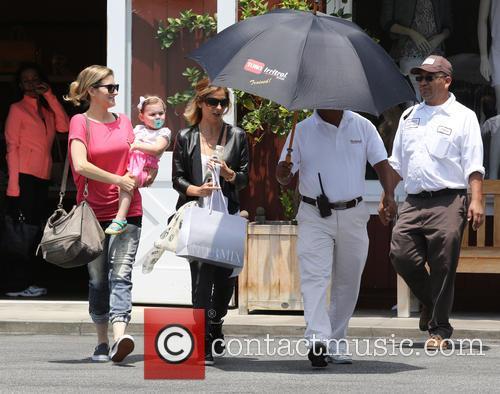 Sarah Michelle Gellar Shopping At Brentwood