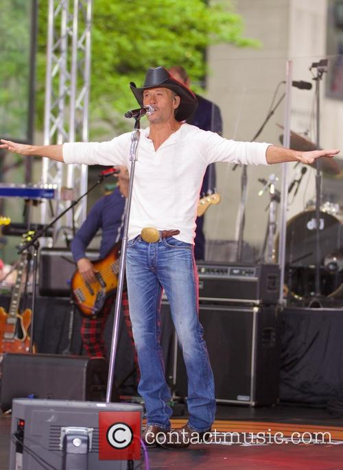 tim mcgraw tim mcgraw performing live on 4210974