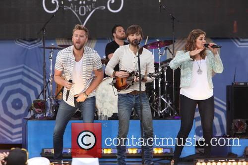 Lady Antebellum, L to R, Charles Kelley, Dave Haywood and Hillary Scott 3