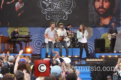 Lady Antebellum, L to R, Charles Kelley, Dave Haywood and Hillary Scott 1