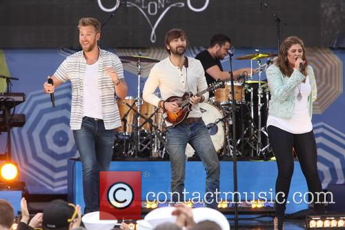 Lady Antebellum, L to R, Charles Kelley, Dave Haywood and Hillary Scott 5