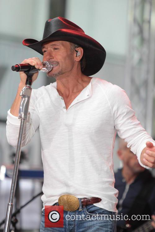 tim mcgraw tim mcgraw performing live on 4211599