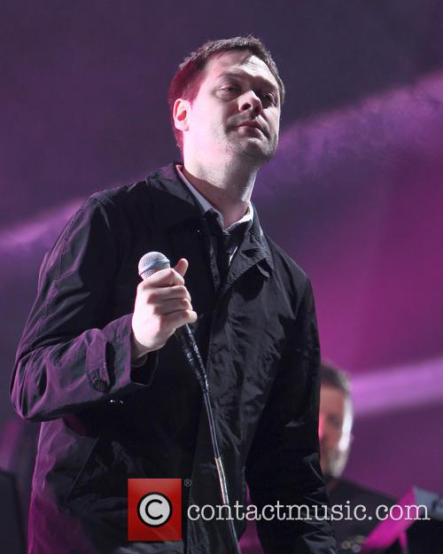 Tom Meighan and Kasabian 6