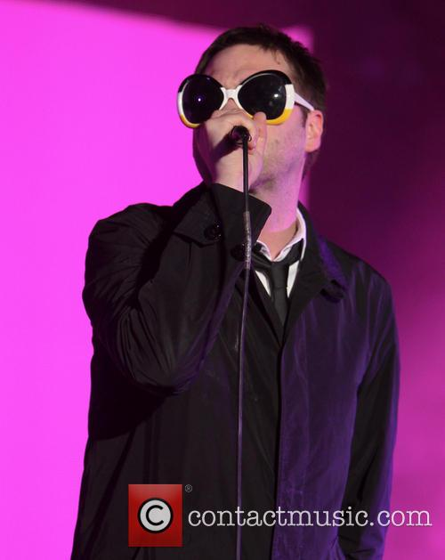 Tom Meighan and Kasabian 1