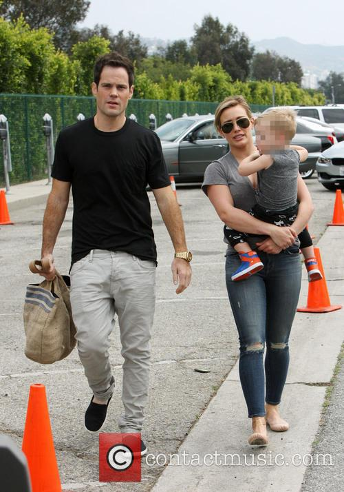 Hilary Duff, Mike Comrie and Luca Comrie 6