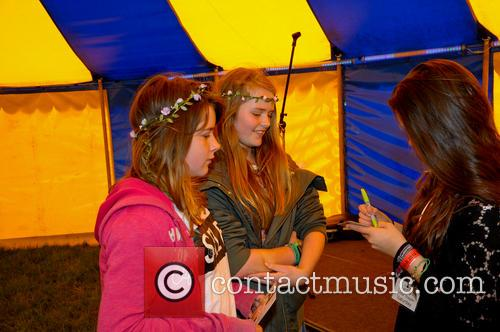 lauren thalia acoustic festival of britain 4226567