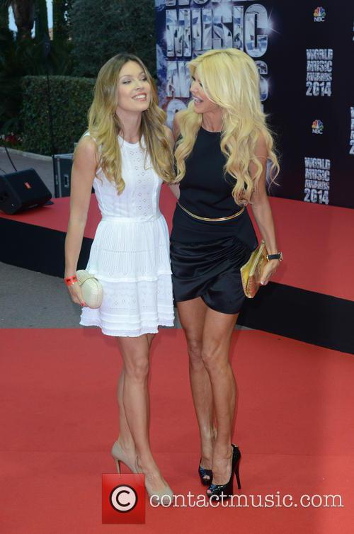 Victoria Silvstedt and Veronica Silvstedt 9