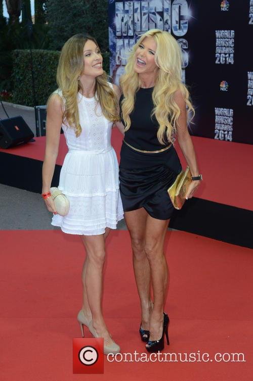 Victoria Silvstedt and Veronica Silvstedt 11