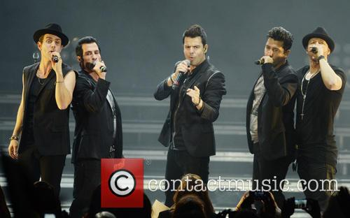 New Kids On The Block, Joey Mcintyre, Danny Wood, Jordan Knight, Jonathan Knight and Donnie Wahlberg 4