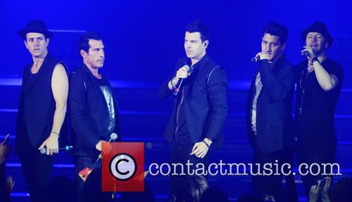 New Kids On The Block, Joey Mcintyre, Danny Wood, Jordan Knight, Jonathan Knight and Donnie Wahlberg 6