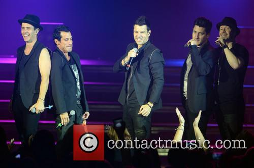 New Kids On The Block, Joey Mcintyre, Danny Wood, Jordan Knight, Jonathan Knight and Donnie Wahlberg 7