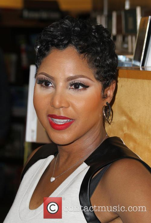 Toni Braxton signs copies of her book 'Unbreak...