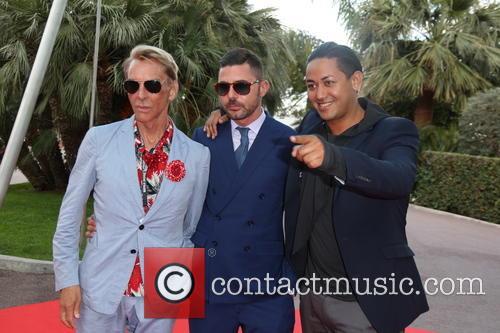 Wolfgang Joop, Singer Karim Maataoui (r) and Guest 2
