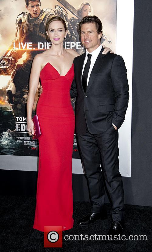 Emily Blunt and Tom Cruise 5
