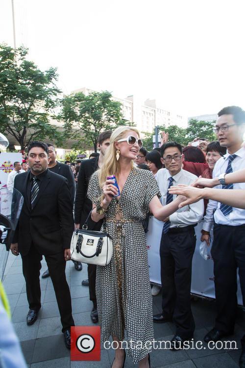 Paris Hilton shakes up Shanghai
