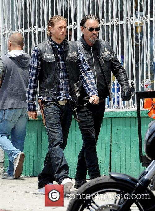 Charlie Hunnam and Tommy Flanagan 3