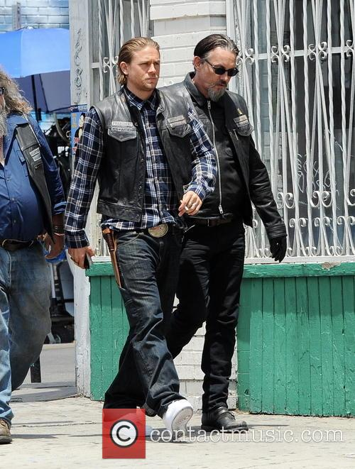 Charlie Hunnam and Tommy Flanagan 5