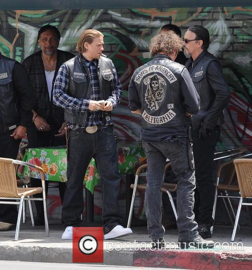 Charlie Hunnam, Tommy Flanagan and Jimmy Smits