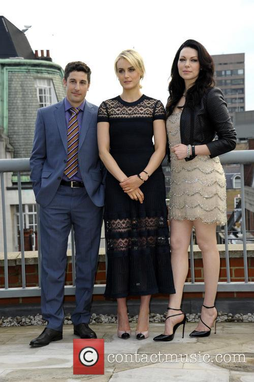 Taylor Schilling, Jason Biggs and Laura Prepon 10