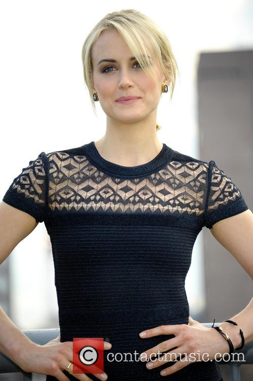 Taylor Schilling 11