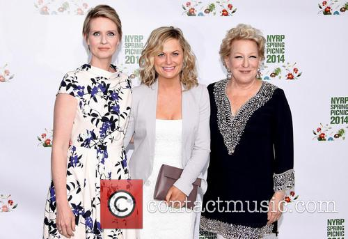 Cynthia Nixon, Amy Poehler and Bette Midler 3
