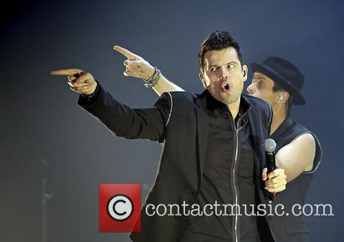 Jonathan Knight, Jordan Knight, Joey McIntyre, Donnie Wahlberg and Danny Wood 10
