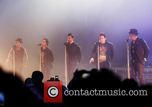 nkotb new kids on the block perform 4222031