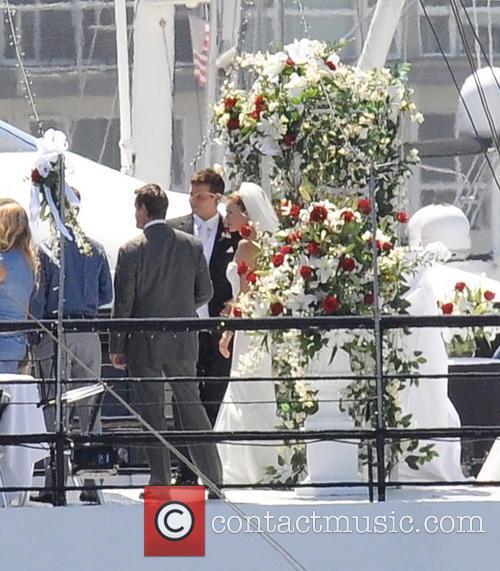 Sienna Miller and Bradley Cooper 4
