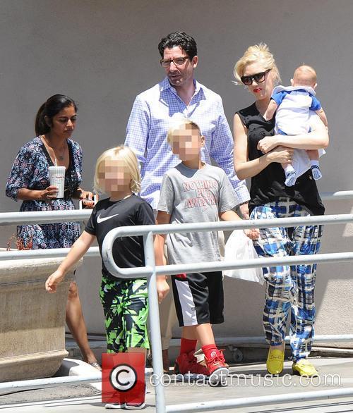 Gwen Stefani, Kingston Rossdale, Zuma Rossdale and Apollo Rossdale 8