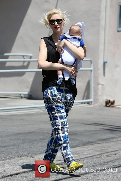 Gwen Stefani leaving Poquito Mas with her children
