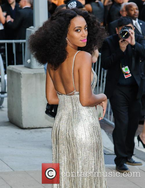 2014 CFDA Awards - Outside Arrivals
