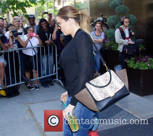 khloe kardashian the kardashian leaving hotel in 4226094