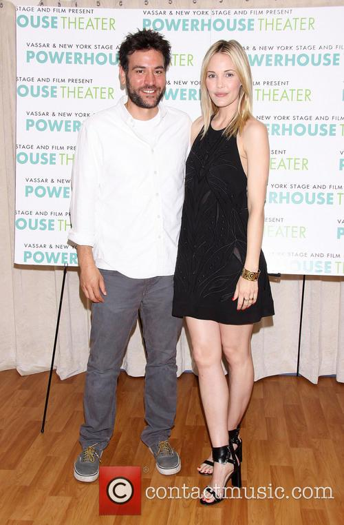 Josh Radnor and Leslie Bibb 5