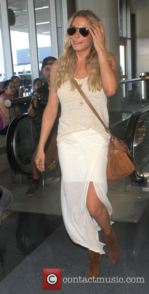 LeAnn Rimes Arrives At Los Angeles International Airport