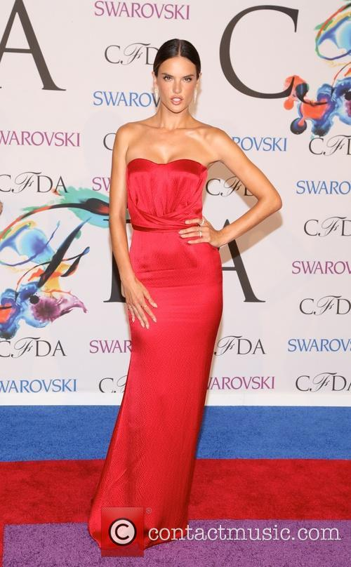 alessandra ambrosio 2014 cfda fashion awards  4227110