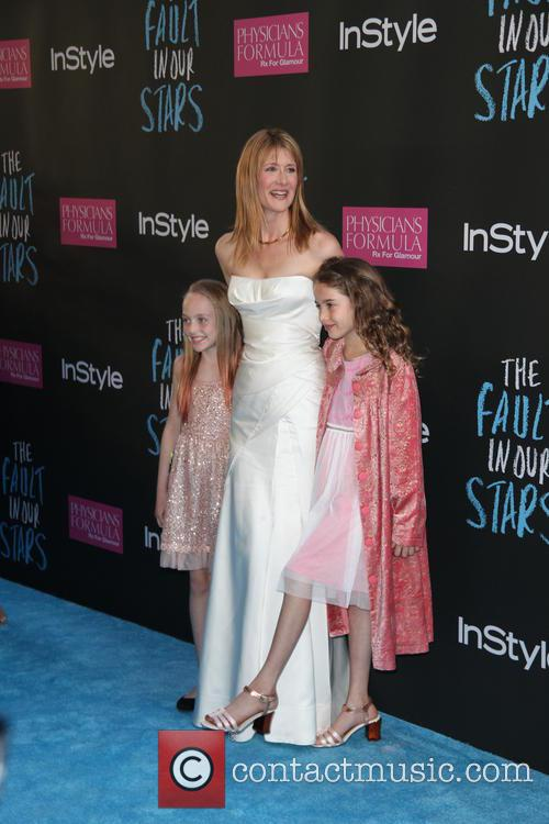 Laura Dern and Her Two Girls 4
