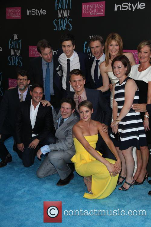Shailene Woodley and The Cast of The Fault in our Stars 1