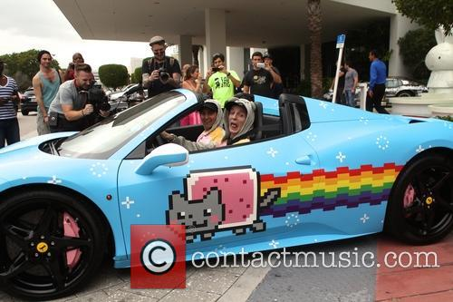 Deadmau5 and Tory Belleci 5