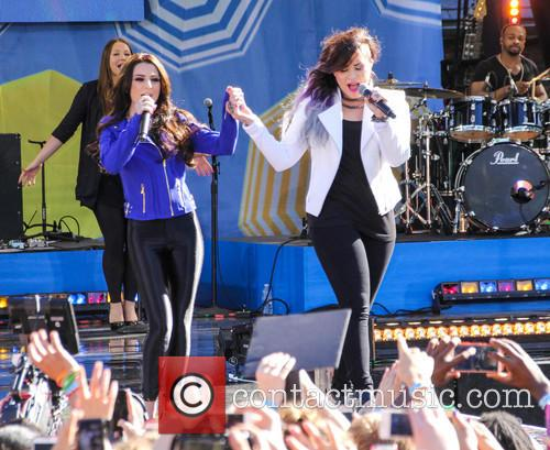 Cher Lloyd and Demi Lovato 1