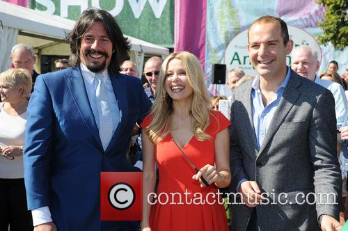 Laurence Llewelyn-bowen, Melinda Messenger and Martin Lewis 9