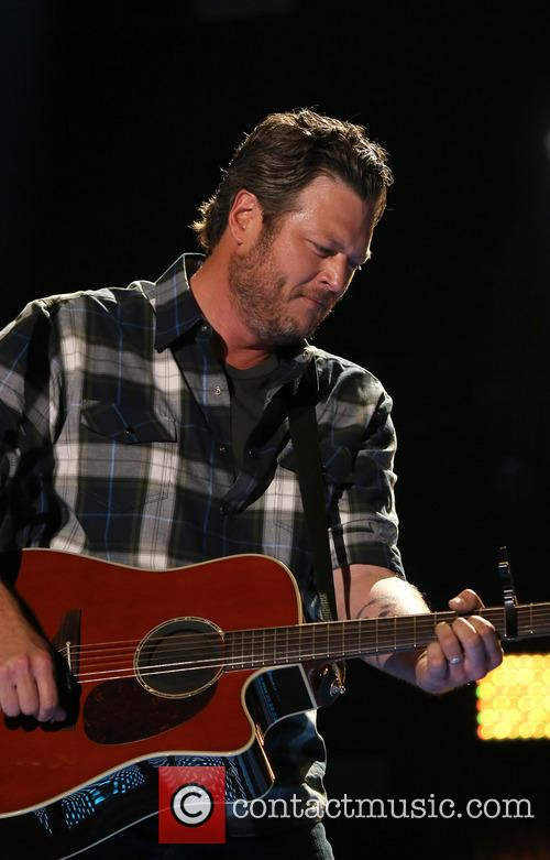 Blake Shelton performs at 2014 CMA Music Festival