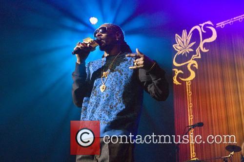 Snoop Dogg, Calvin Broadus and Jr. 6