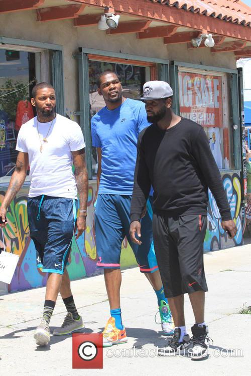 Kevin Durant Shopping In Los Angeles