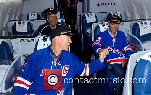 Kareem Abdul-jabbar, Mark Messier and Mariano Rivera 4