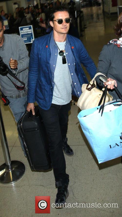 Orlando Bloom arrives at Los Angeles International (LAX) airport