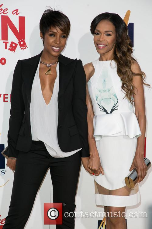 Kelly Rowland and Michelle Williams 5