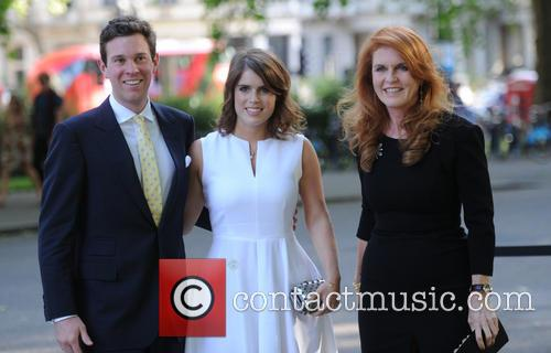 Alasdair Haynes, Princess Eugenie Of York, Duchess Of York and Sarah Ferguson 5