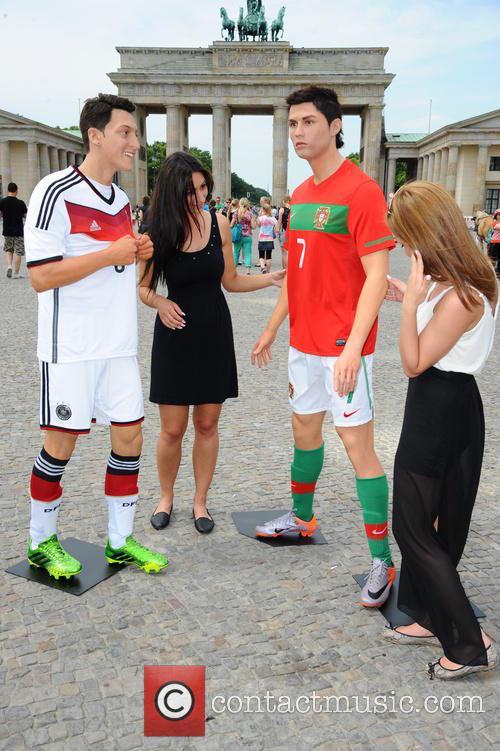 Mesut Oezil and Cristiano Ronaldo 8