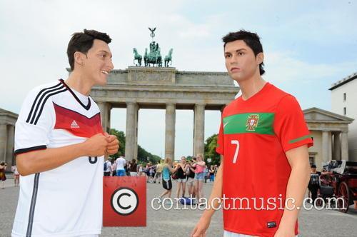 Mesut Oezil and Cristiano Ronaldo 13